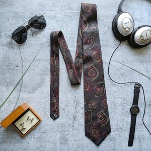 LORD & TAYLOR charcoal grey paisley silk tie